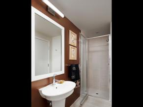 1930 SW River Dr Portland OR-MLS_Size-015-1-Bathroom-1920x1440-72dpi